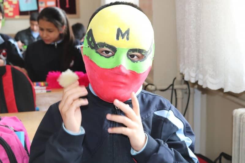 Rengarenk Maskeler Necip Fazil Ortaokulu